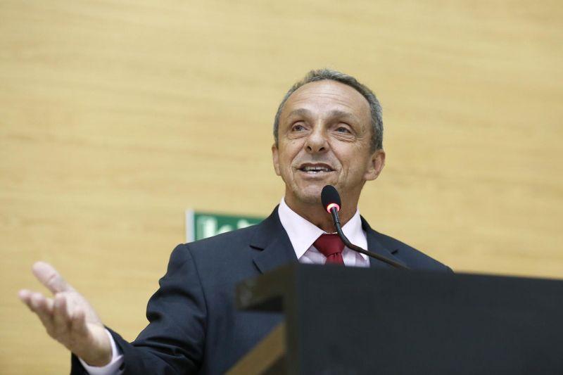 Deputado Lazinho da Fetagro anuncia doação de terreno à Rolim de Moura