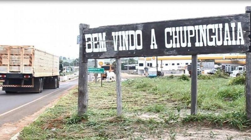 """Em briga violenta por causa de ex, mulheres """"se pegam"""" no tapa e mobilizam polícia em Chupinguaia"""