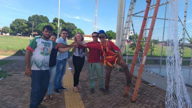 Rolim de Moura - Quadra de esporte da Praça CEU das Artes recebe rede de proteção