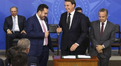 Cartórios devem informar óbitos em até 24 horas, diz Bolsonaro