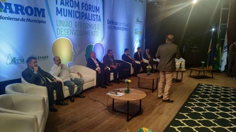Fórum em Cacoal debate reforma da previdência e reúne representantes de RO e mais 2 estados