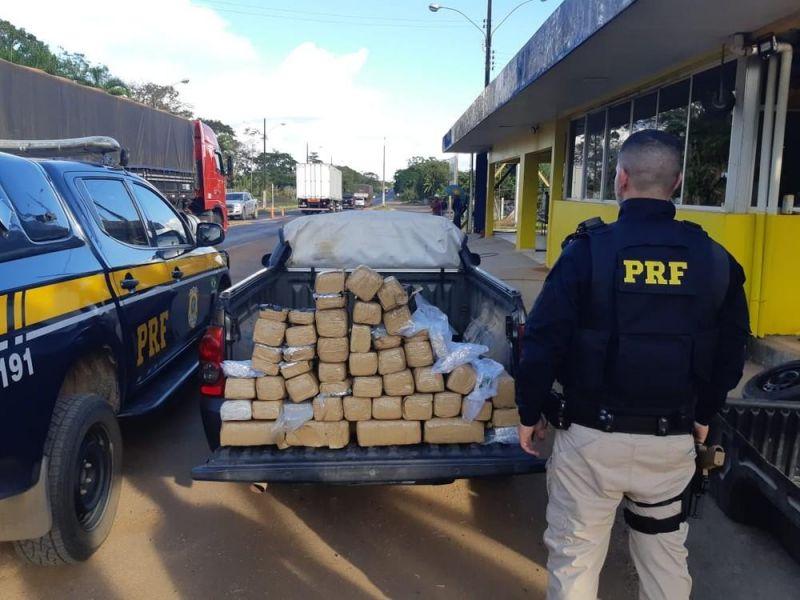 Homem é preso transportando mais de 48 kg de