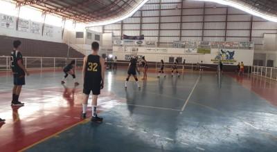 Prefeitura de Rolim de Moura abre inscrições gratuitas para escolinha de Voleibol