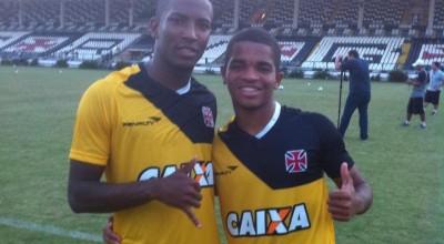 Thalles, ex-atacante do Vasco, morre em acidente de moto, em São Gonçalo