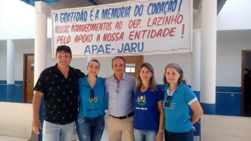 APAE e deputado Lazinho da Fetagro comeram reforma e ampliação de salas de aula