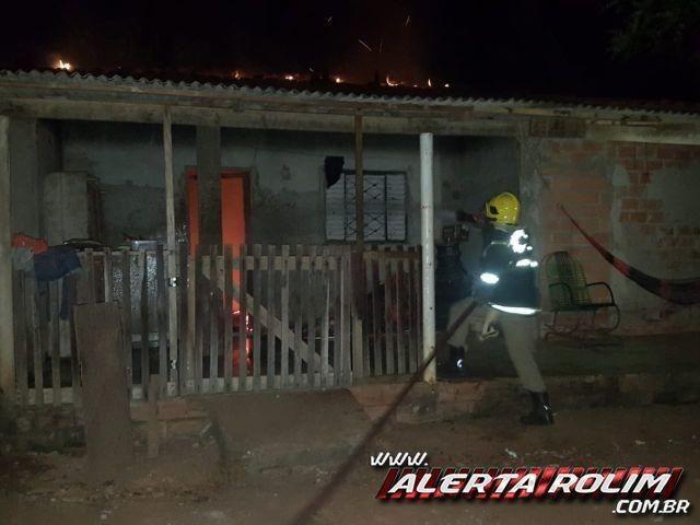 Incêndio em residência é registrado no Bairro Olímpico