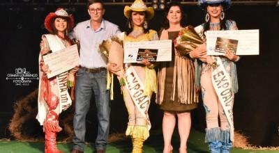 Rainha da 21ª Expoac é escolhida durante concurso em Cacoal, RO