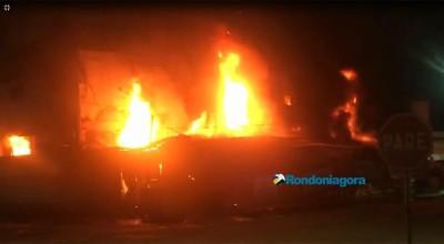 Vídeo: Incêndio de grandes proporções destrói o prédio da Rondobras em Porto Velho