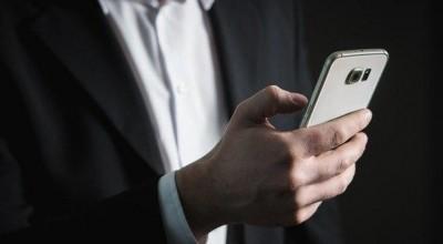 Você está sendo espionado pelo seu celular? Entenda como funciona