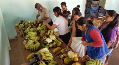 Famílias cadastradas no CadÚnico recebem alimentos gratuitos em Rolim de Moura