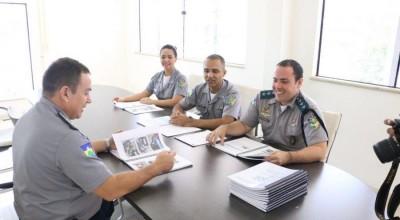 Jovens já podem se inscrever para trabalhar em serviços administrativos da PM e Bombeiros