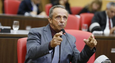Lazinho da Fetagro propõe ao Governo do Estado redução da jornada de trabalho para a enfermagem