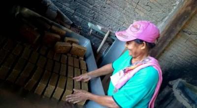 Quatro famílias de agricultores se unem e montam pequena fábrica de rapaduras na área rural de Corumbiara