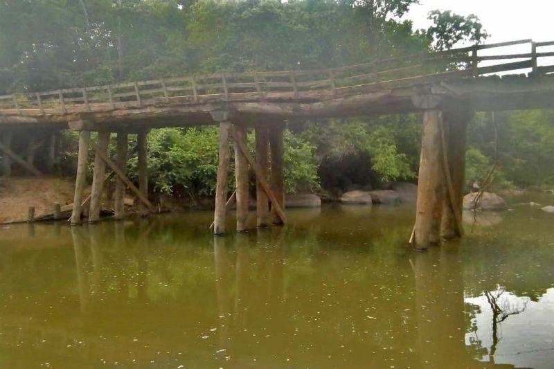 Deputado Cirone Deiró pede construção de ponte de concreto no Rio Ribeirão em Espigão do Oeste