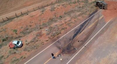 Motorista morre ao bater Voyage de frente com caminhão carregado de terra em MT