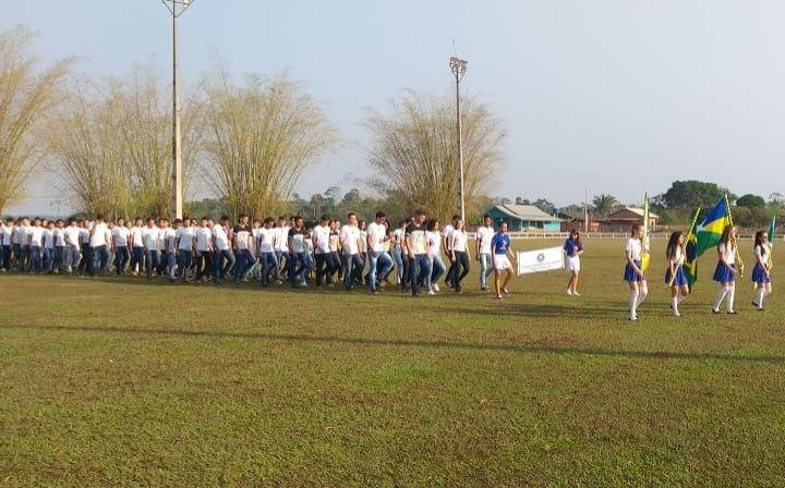 Polícia Militar e alunos das Escolas da Rede Estadual e Municipal em Nova Estrela realizam desfile no feriado da Independência Nacional