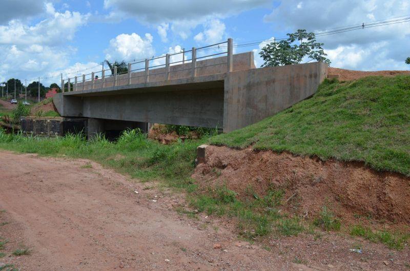 Prefeito Rolim de Moura assina 04 convênios para a construção de 07 importantes pontes em concreto armado para o município