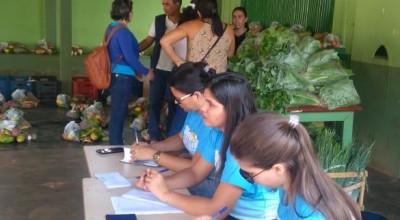 Prefeitura de Rolim de Moura distribui alimentos para famílias do Bairro Centenário