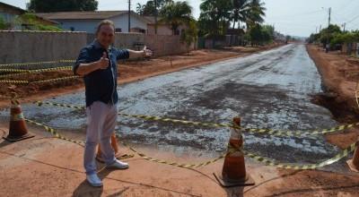 Prefeitura de Rolim de Moura realiza Imprimação asfáltica na Avenida Belém