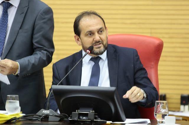 Presidente Laerte Gomes denuncia descaso da Energisa com Seringueiras