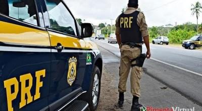 PRF flagra homem com sinais de embriaguez dirigindo em 'zig-zague' na BR-364 em Pimenta Bueno