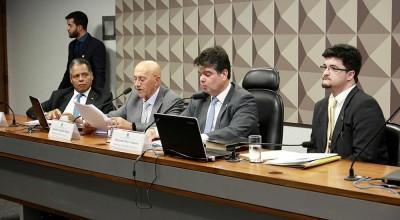 Senador Confúcio Moura apresenta relatório de instalação do programa Médicos pelo Brasil, que suprime a falta de profissionais nas regiões menos favorecidas