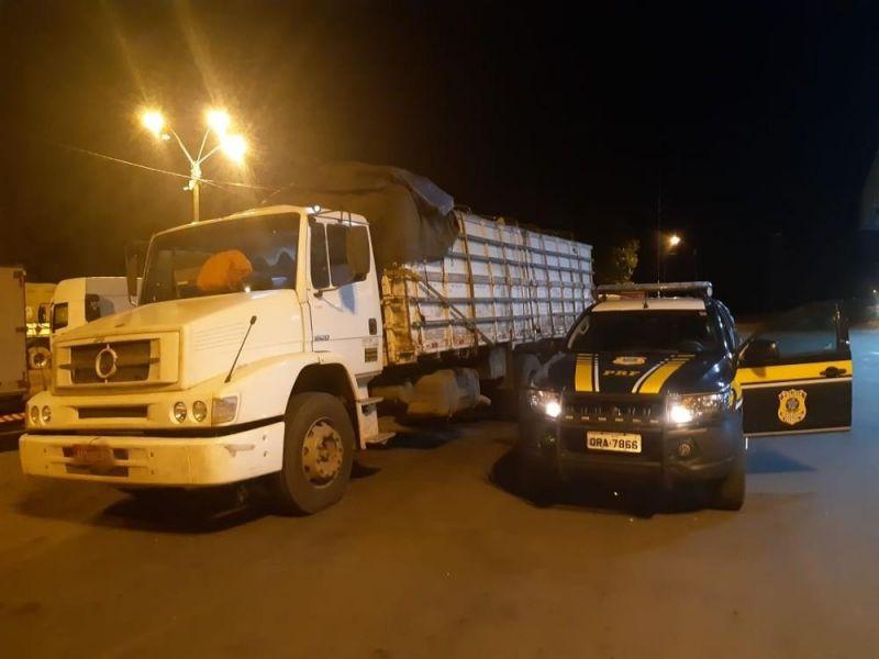 Caminhão é apreendido com carga de quase 19 mil litros de cerveja em Vilhena, RO