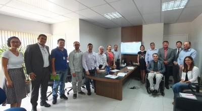 Deputado Cirone Deiró assume compromisso com o funcionamento do laboratório de qualidade do leite