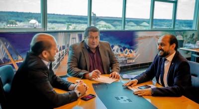 Em reunião com diretor do DER, deputado Cirone Deiró cobra recuperação da RO 471