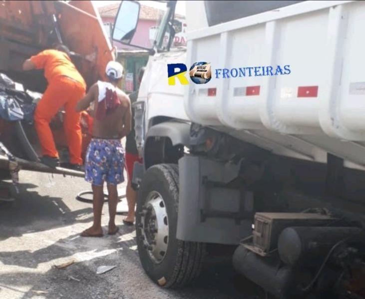VÍDEO: Caminhão bate na caçamba do lixo e decepa perna de gari