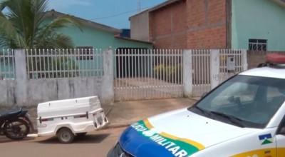 Filho mata pai a facadas e esconde corpo em despensa de residência em Ariquemes, RO