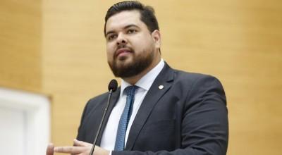 Jean Oliveira condena programa que acaba com vacinação contra febre aftosa no Estado