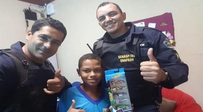 PIMENTA BUENO - ALUNO DA REDE PÚBLICA MUNICIPAL RECEBE INCENTIVO DE POLICIAIS E MELHORA SEU DESEMPENHO ESCOLAR