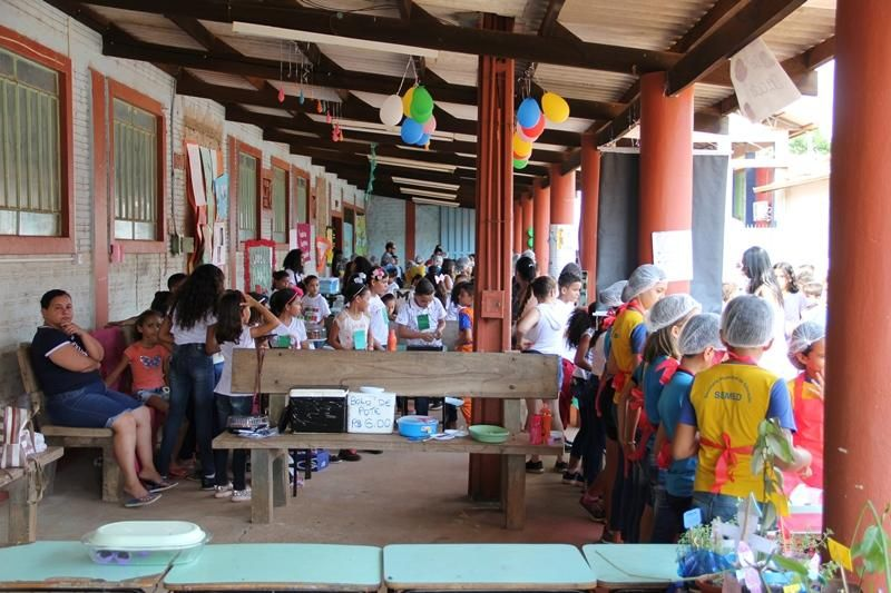 Professores e comunidade participaram da Feira Empreendedora na escola Voo da Juriti, zona leste de Porto Velho