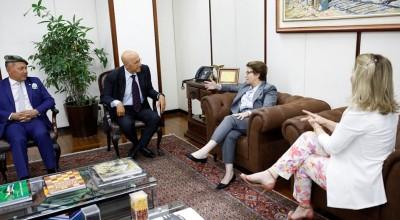 Parlamentares de Rondônia se reúnem com ministra da agricultura para tratar de regularização fundiária
