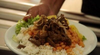 Rondônia: Dono de restaurante diz a cliente que se quiser comer muita carne, que coma em casa