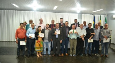 Servidores e ex Presidentes da Câmara de Rolim de Moura são homenageados