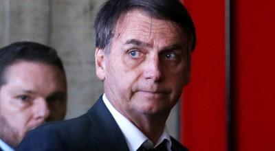 URGENTE: Bolsonaro leva tombo no banheiro e vai para hospital