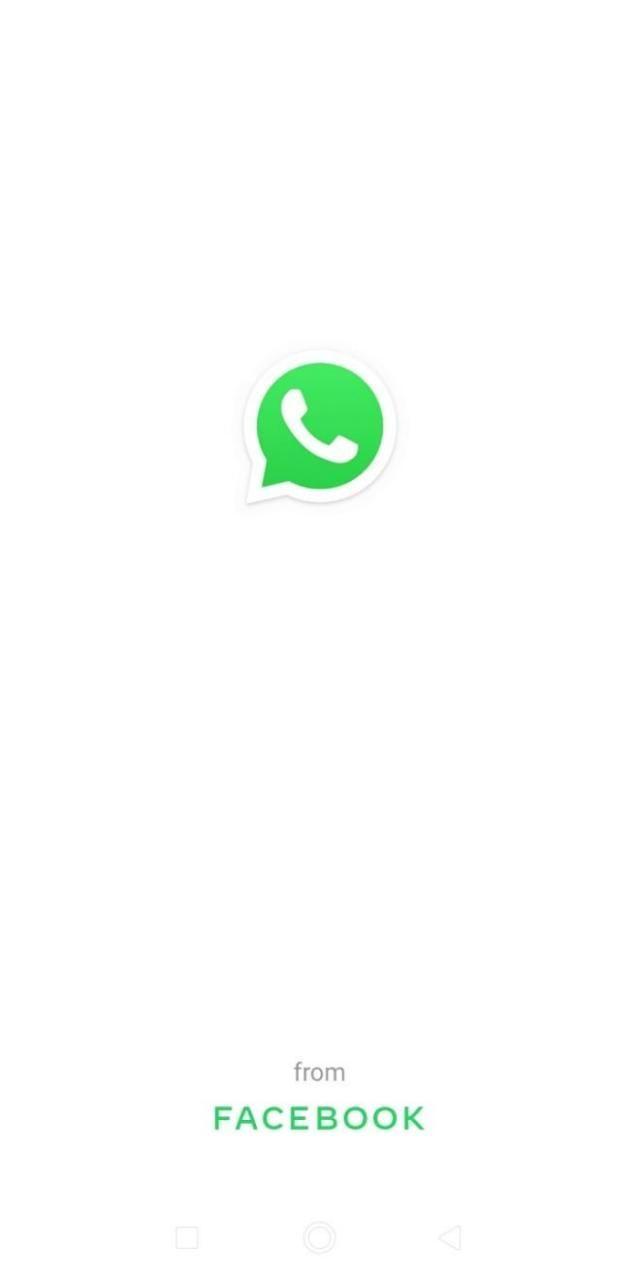 WhatsApp passa a indicar que é do Facebook e assusta a internet