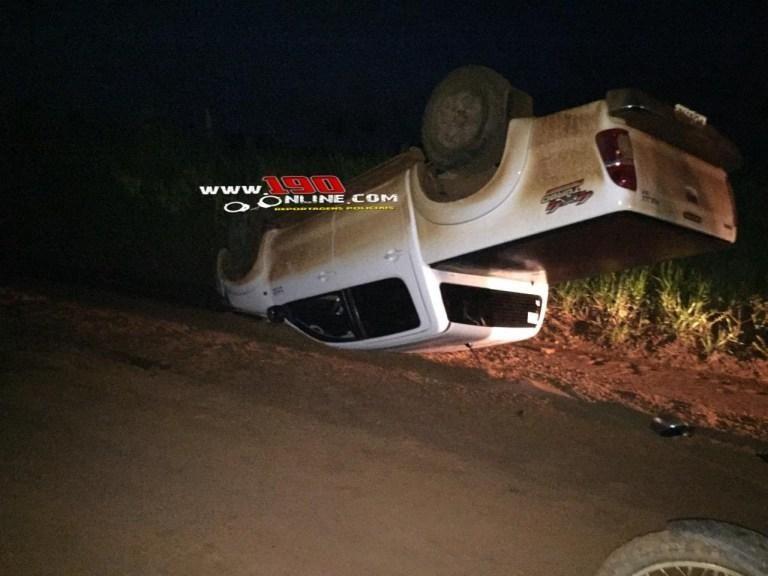 Alta Floresta – Motorista perde controle da direção e capota caminhonete em zona rural