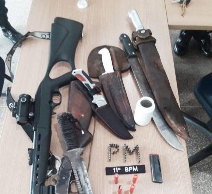 Dois homens são presos em barreira policial com armas e carne de animal silvestre em Alvorada do Oeste (RO)