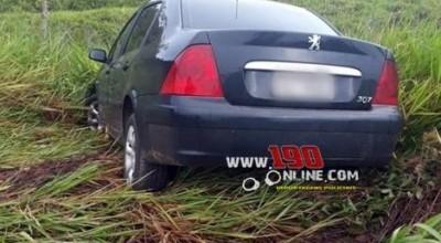 Alta Floresta – Automóvel sai da pista após mulher tentar desviar de buraco na RO 383 no km 07