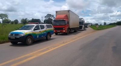 Congestionamento na BR-364 foi de 15 KM por causa das chuvas próximo a Presidente Médici