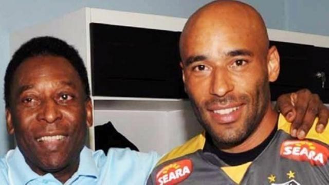 Edinho revela que Pelé está depressivo por dificuldade de andar