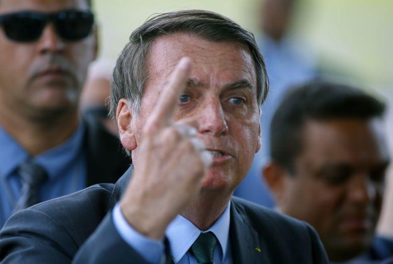 Governo Bolsonaro quer saber até como atores da Globo decoram texto