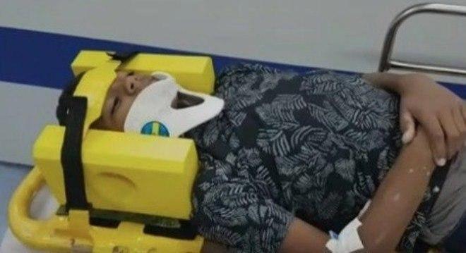 """Menino é socorrido após ser vítima de """"desafio da rasteira"""" em SP"""