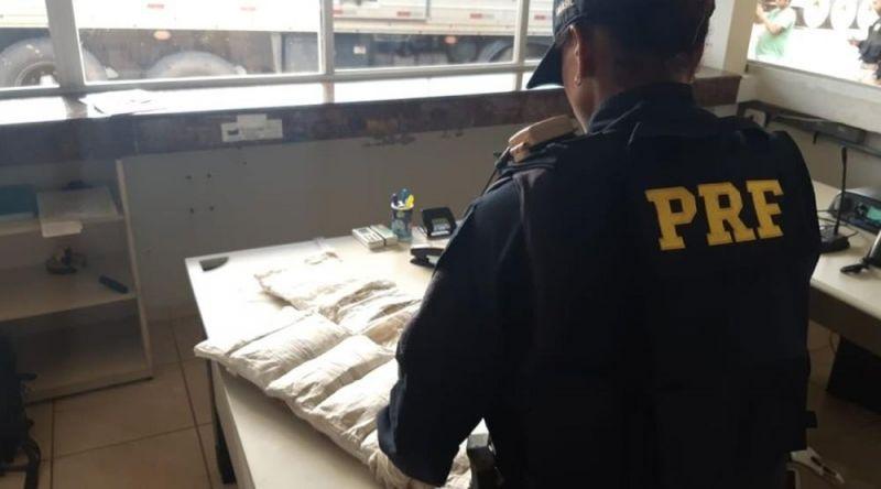 Passageiras são presas com 13 kg de cocaína em ônibus na BR-364