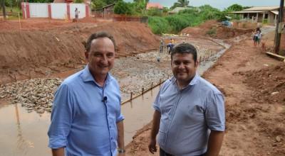 Prefeitura de Rolim de Moura inicia construção de galeria na Avenida Manaus