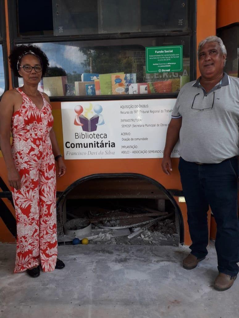 Rolim: Sicredi visita Gaia amiga e fixa placa em equipamentos