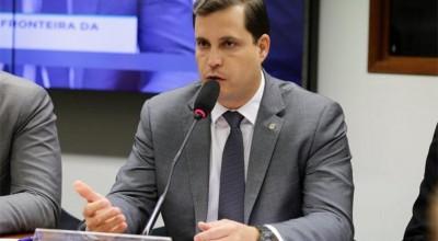 TRANSPOSIÇÃO: Proposta suspende parte de decreto que regulamenta situação de servidores de ex-territórios